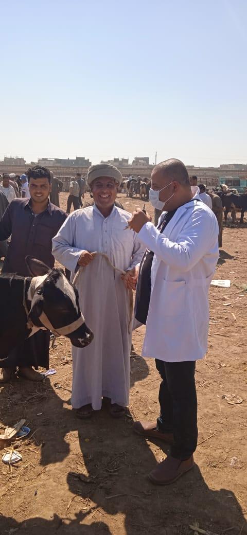 مديرية الطب البيطرى بالبحيرة تقوم بعمل زيارات ميدانية لرصد أسواق الحيوانات