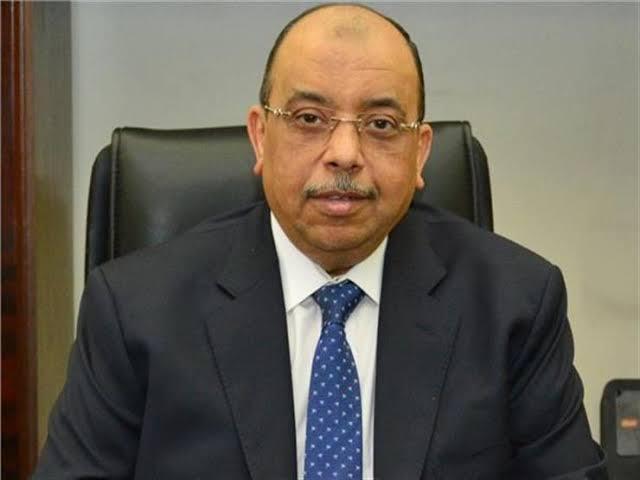 وزير التنمية المحلية يجري اتصالات هاتفية مع المحافظين لمتابعة  استعدادات عيد الأضحى المبارك