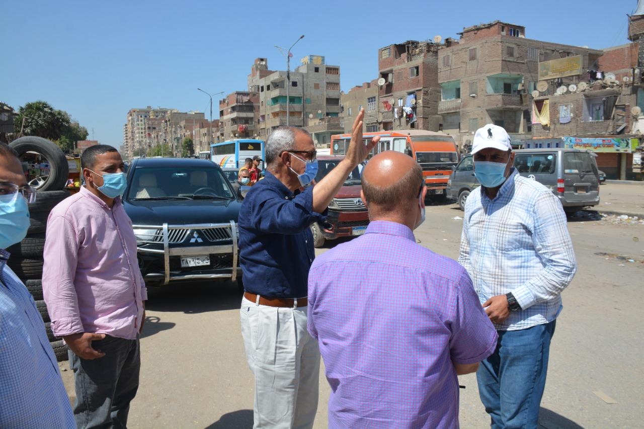محافظ القليوبية يتابع حملة اإزالة تراكمات القمامة من شوارع حي شرق شبرا الخيمة