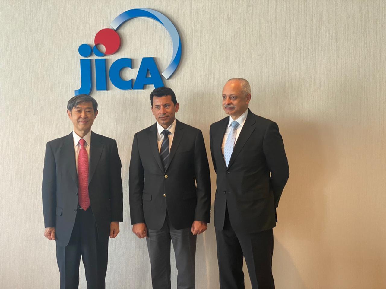 """وزير الشباب والرياضة يلتقي مدير هيئة التعاون الدولي اليابانية """"جايكا"""""""