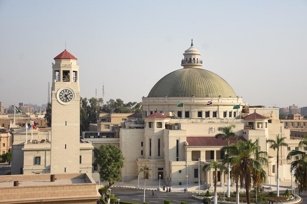 رئيس جامعة القاهرة: مستشفيات قصر العينى لا تتوقف عن تقديم خدماتها للمرضى خلال إجازة عيد الأضحى