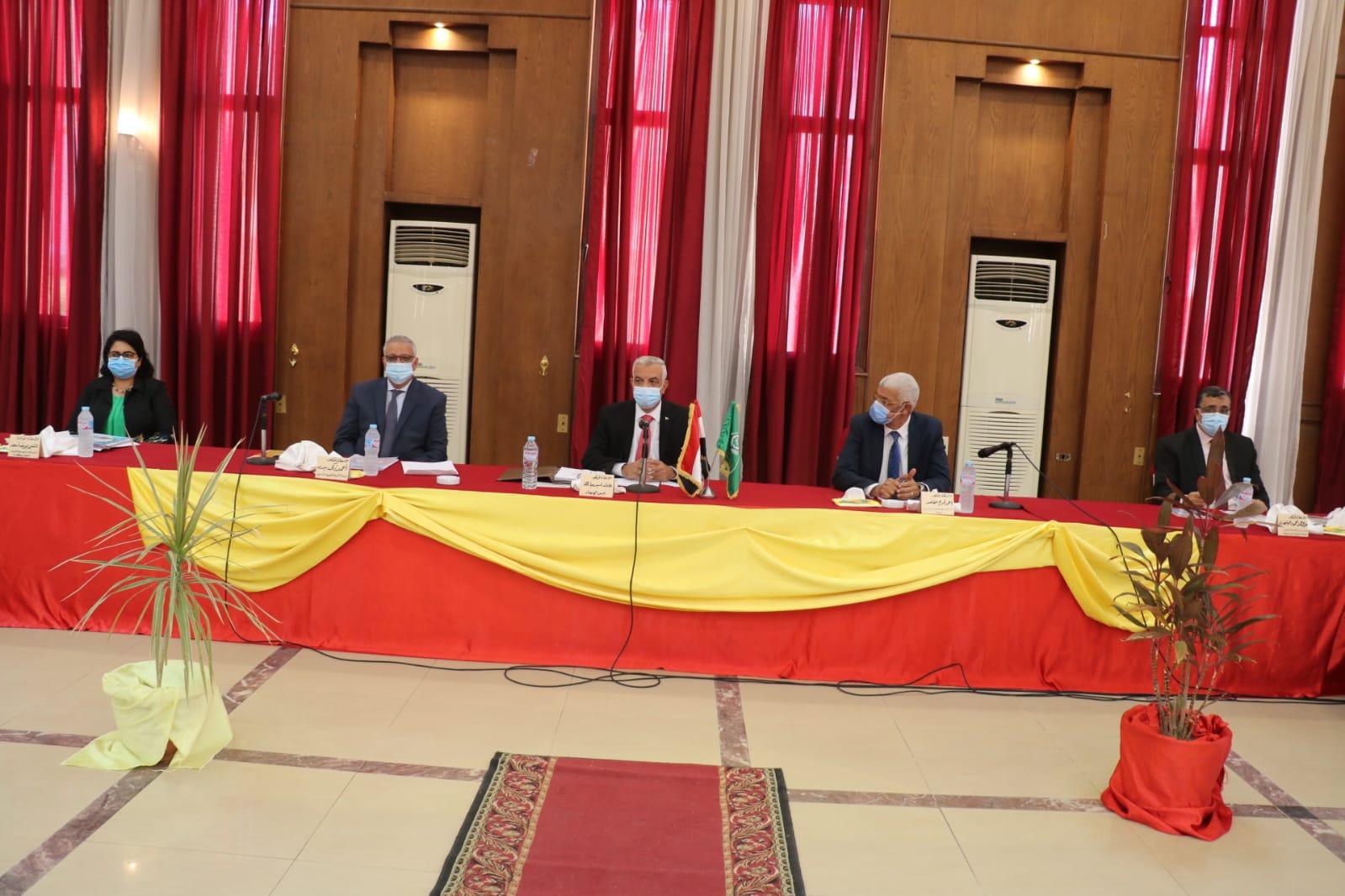 مجلس جامعة المنوفية يعقد جلسة يوليو ٢٠٢١ برئاسة مبارك