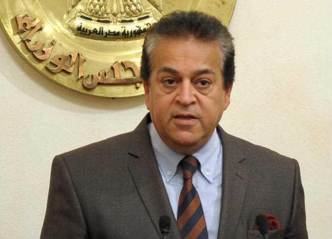 وزير التعليم العالي يستعرض قواعد التحويل بين الجامعات الخاصة