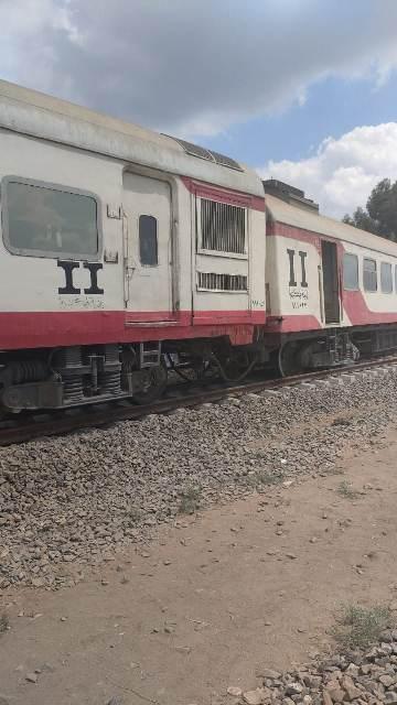 خروج ثلاث عربات عن القضبان للقطار رقم ٥٧٠ القادم من بورسعيد أمام محطة الشبانات بمدينة الزقازيق