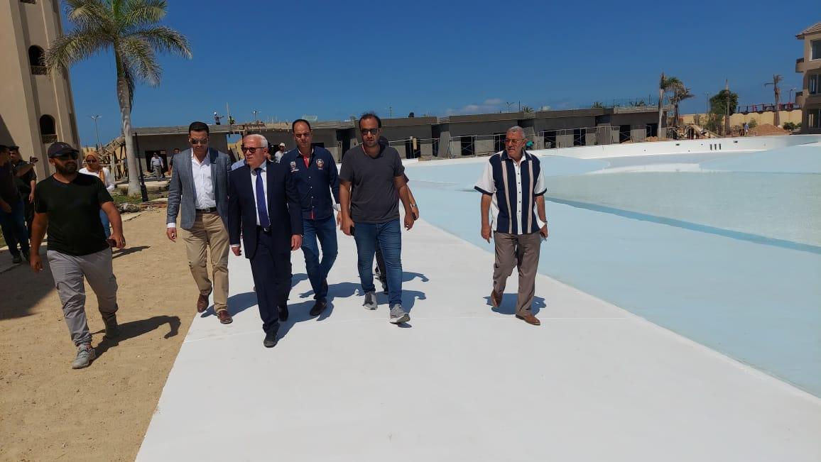 محافظ بورسعيد يتابع الموقف التنفيذى فى مشروع إيكلاى السياحى (قرية الكروان سابقا)