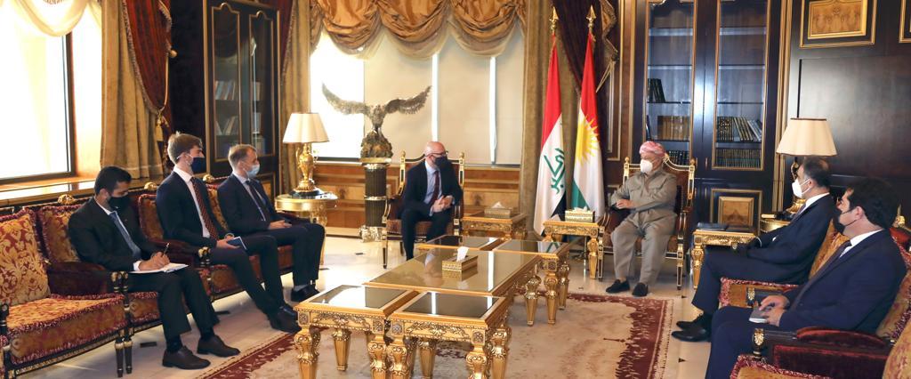 بارزاني وديفيد هنت يناقشان العلاقات بين كردستان وبريطانيا
