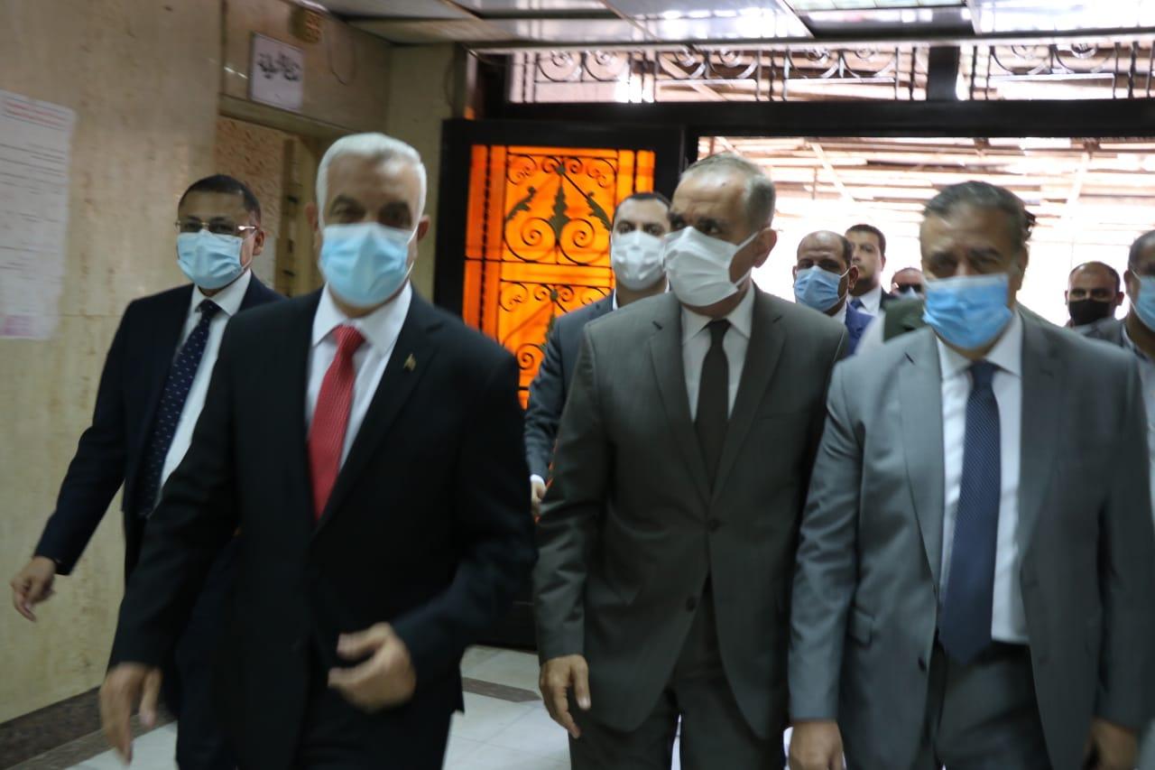 مبارك ومحافظا المنوفية وكفر الشيخ فى زيارة لمصابى فريق كرة السرعة