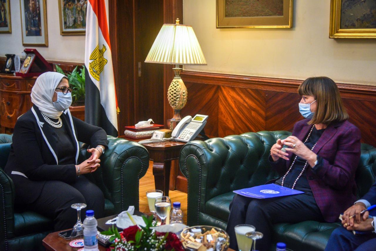 وزيرة تستقبل المنسق المقيم للأمم المتحدة بمصر لبحث سبل التعاون في القطاع الصحي