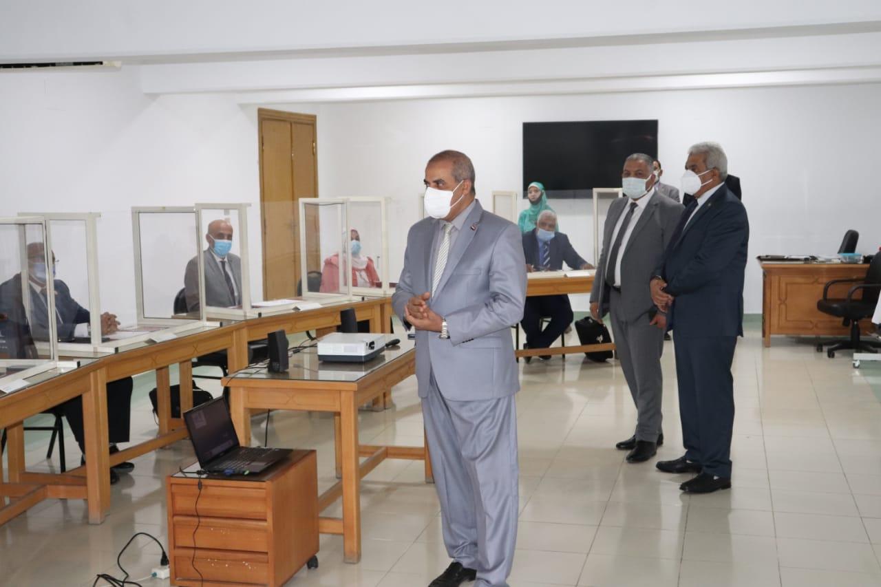 بالصور .. رئيس جامعة الأزهر يتفقد المجموعة التدريبية التاسعة بمركز التدريب والتطوير