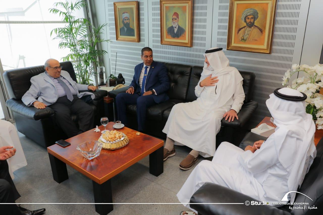 مدير مكتبة الإسكندرية يستقبلأمين عام دارة الملك عبد العزيز والسفير السعودي بالقاهرة