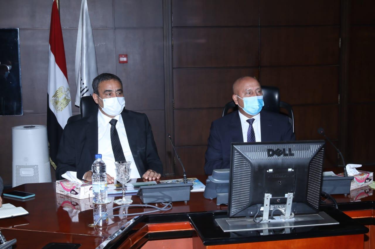 وزير  النقل يلتقي وزير المواصلات الليبي لبحث أوجه  التعاون بين الجانبين في مجالات النقل المختلفة