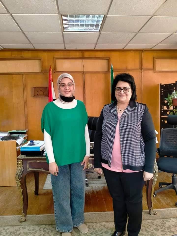 نائب التعليم والطلاب تلتقى بطالبة الهندسة الإلكترونية ضمن البعثة التدريبية إلى جامعة سمارا الروسية