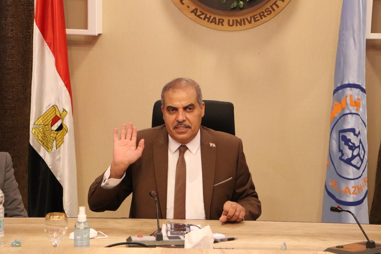 رئيس جامعة الأزهر يصدر قرارات مهمة لصالح الطلاب عقب عودته من إيطاليا
