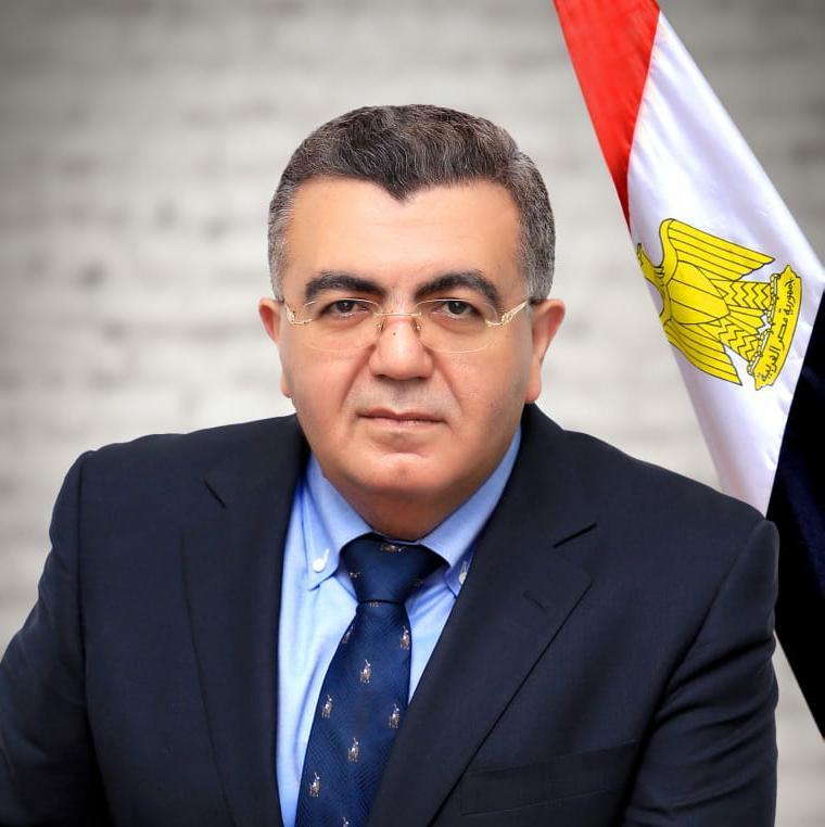 حاتم صادق: الخبرات المصريةً المكتسبة قادرة على إعادة اعمار ليبيا