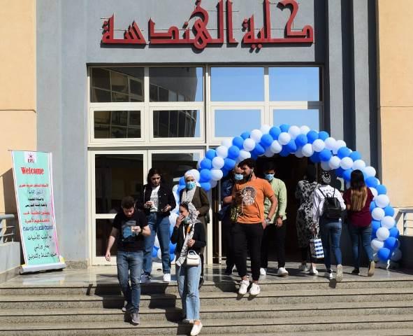 الجامعة المصرية الروسية تزينت للترحيب بالطلاب فى بداية العام الجامعى وعقوبات للمخالفين