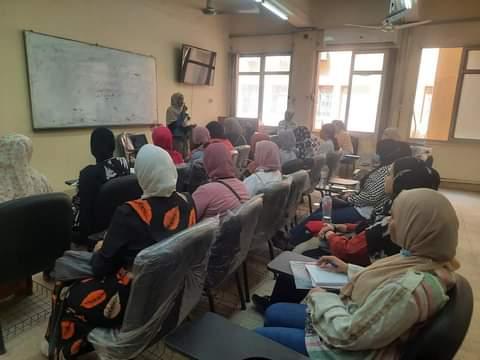 جامعة حلوان تحقق تقدم ملحوظ فى المشروع القومي لمحو الأمية بالتعاون مع الهيئة العامة لتعليم الكبار