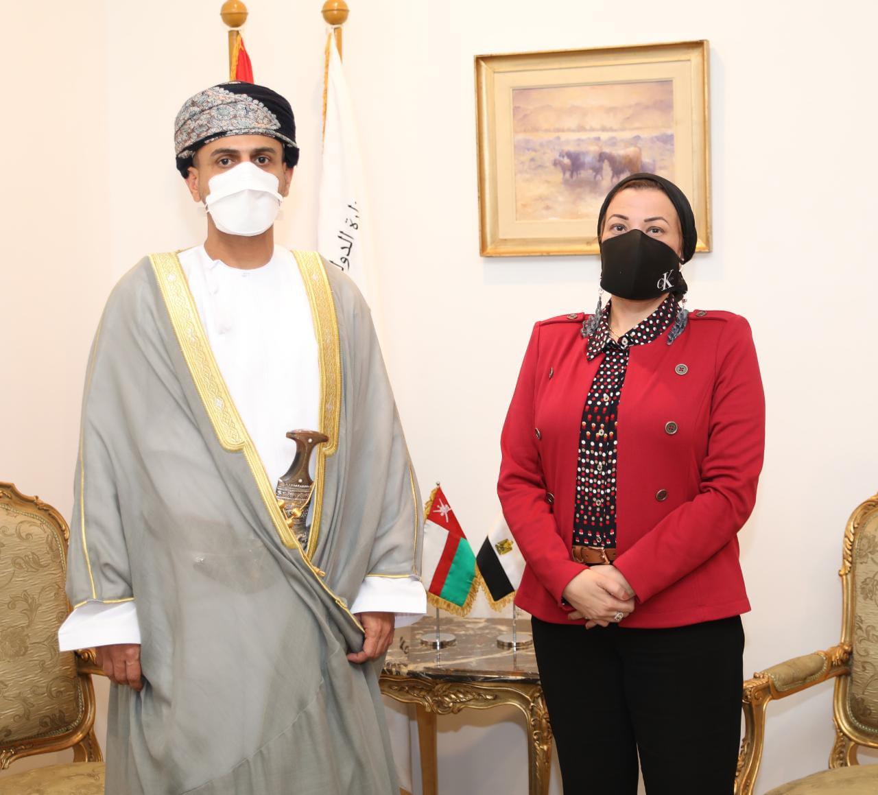 وزيرة البيئة تستقبل رئيس هيئة البيئة بسلطنة عمان لبحث سبل التعاون المشترك