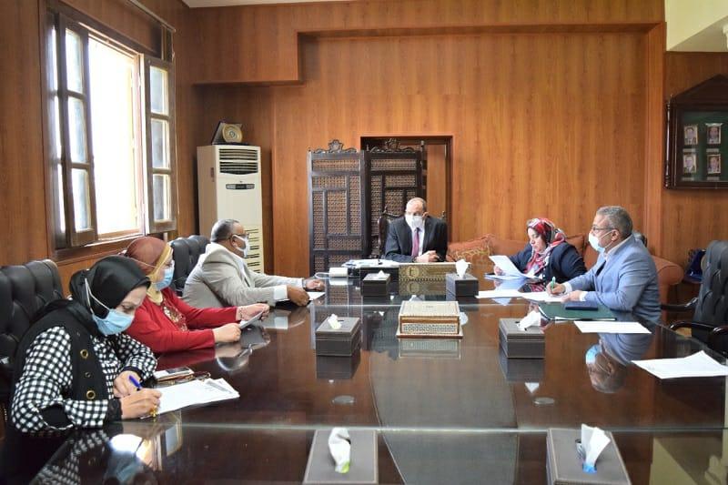 رئيس جامعة بنى سويف : 15 أكتوبر بدء الدراسة بمركز التعلم المدمج