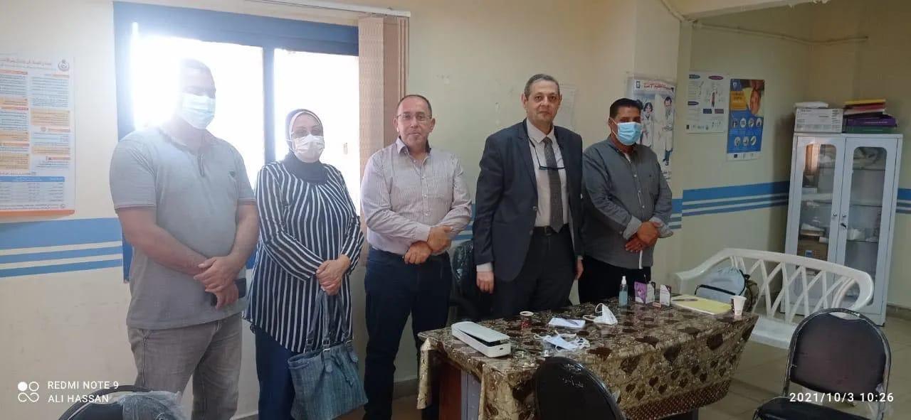 محافظ مطروح يوجه الشكر لجامعة القاهرة على توجيه قافلة طبية شاملة لاهالي مدن براني والسلوم