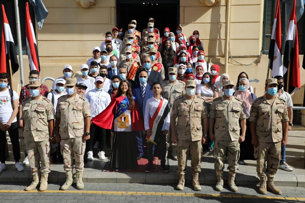 محافظة القاهرة تنظم رحلة لطلاب المدارس وأبناء العاملين بها لزيارة بانوراما أكتوبر ومتحف القوات الجوية
