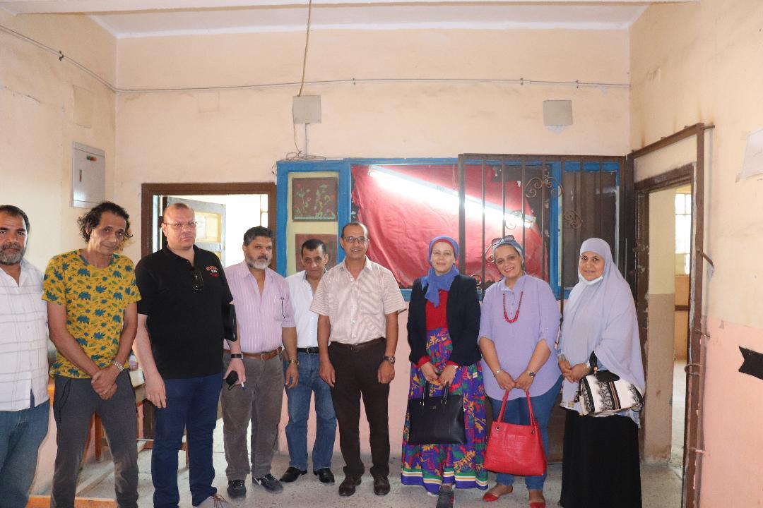 مركز التنوير للتنمية وحقوق الإنسان  يبدأ العمل في تجديد وتطوير مدرسة الشيخ صالح الابتدائية