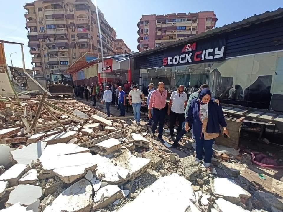 محافظ بورسعيد : تنفيذ عدد ٢١ قرار إزالة تعدي علي أملاك الدولة بسوق البالة بتعاونيات الزهور