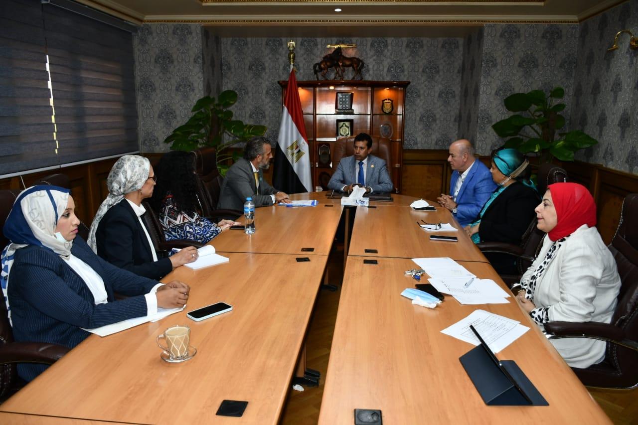 """وزير الشباب و الرياضة يلتقي ممثل منظمة """"اليونيسيف"""""""