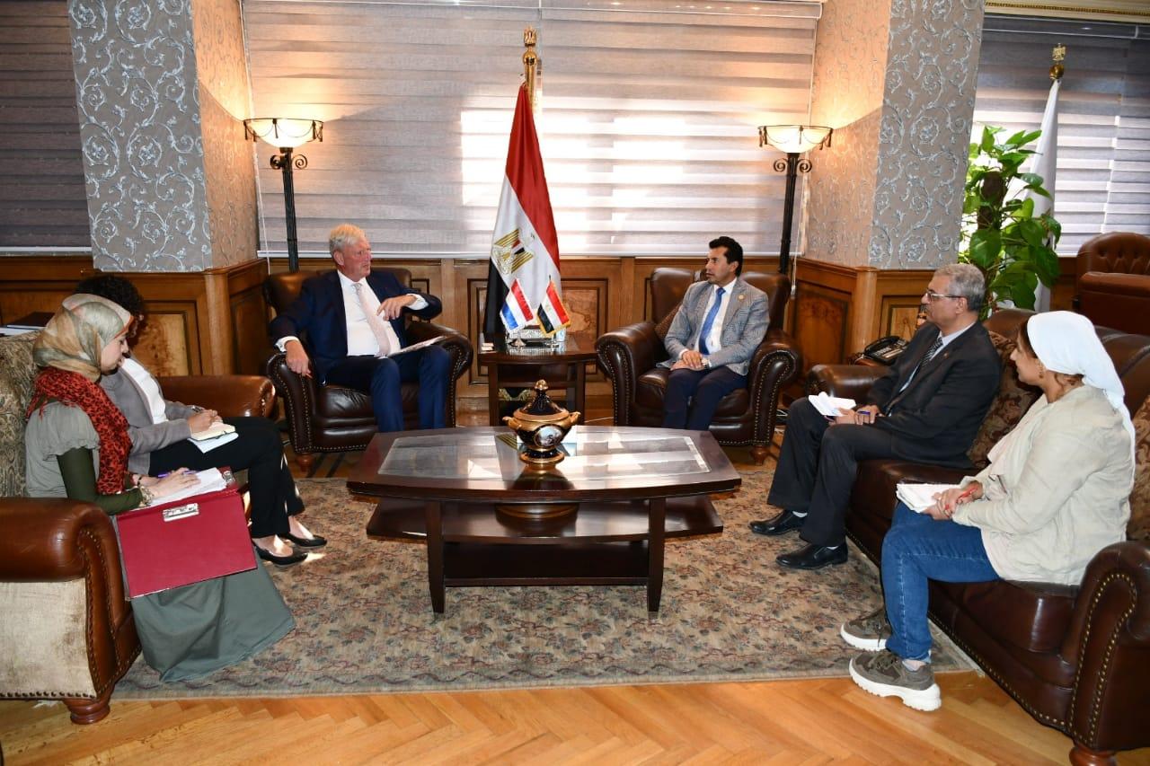 صبحي يبحث التعاون مع سفيري الأرجنتين وهولندا  للتعاون في الشباب و الرياضة