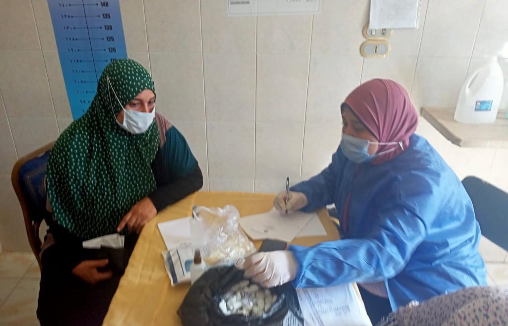 توقيع الكشف الطبى على 1130حالة فى قافلة جامعة طنطا الطبية بالمحلة الكبرى