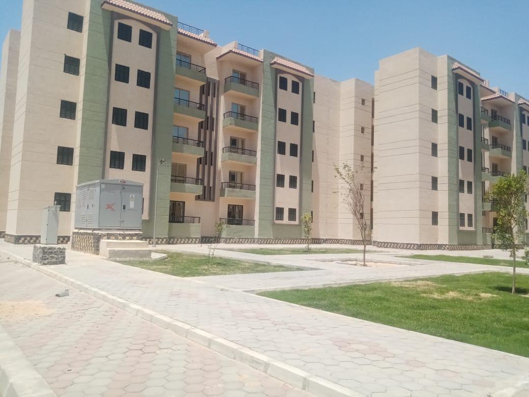 وزير الإسكان يتابع الموقف التنفيذي للمشروعات السكنية والخدمية بمدينة العاشر من رمضان