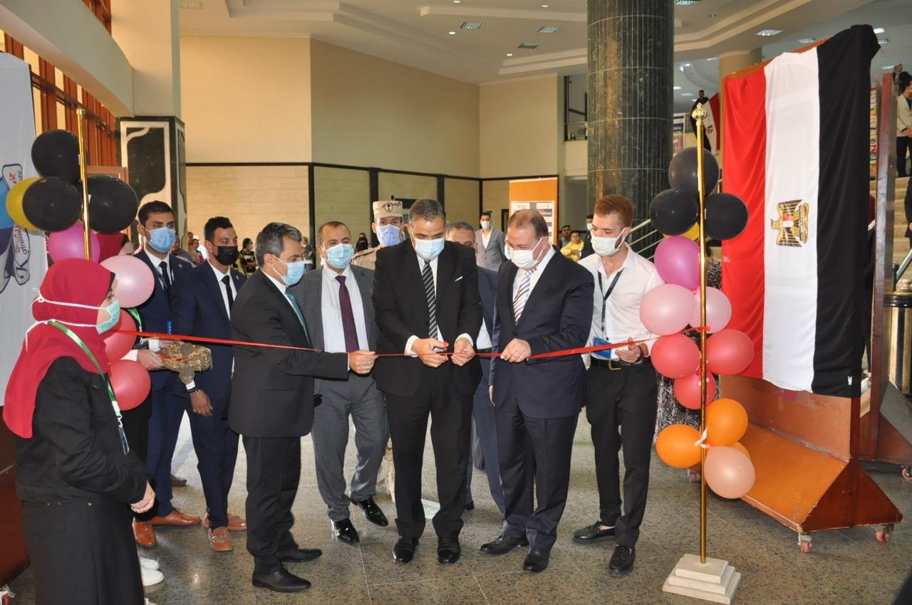 رئيس جامعة كفر الشيخ يرعى حفل استقبال الطلاب الجدد بكلية العلوم