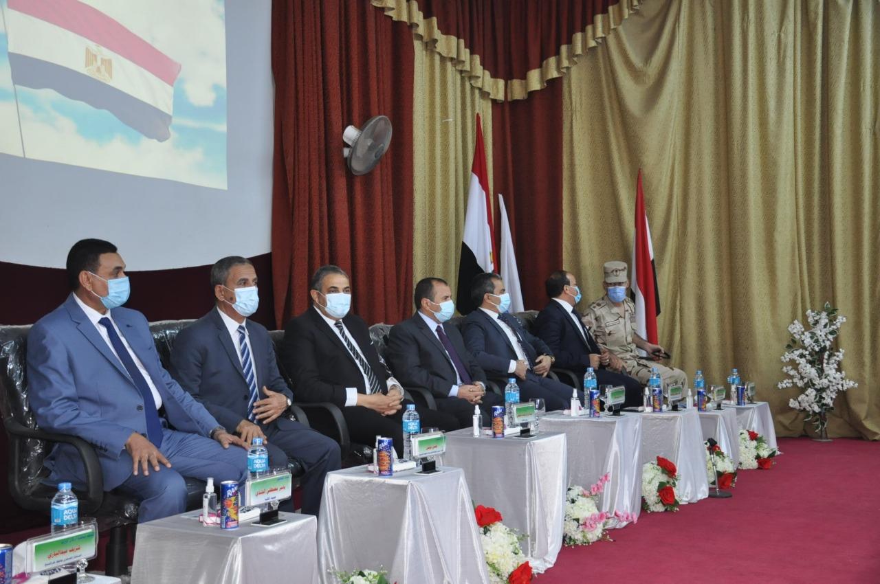 رئيس جامعة كفر الشيخ يشهد حفل استقبال الطلاب الجدد بكليتي التربية والحاسبات والمعلومات
