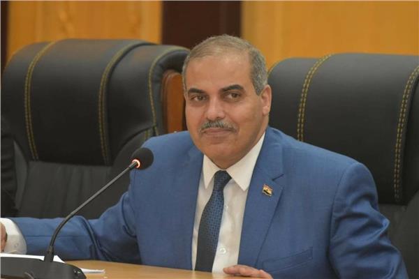 رئيس جامعة الأزهر يفتتح معرض للكتاب بتخفيضات كبيرة