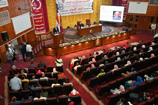جامعة الفيوم  تستضيف الأستاذ الدكتور أحمد كريمة احتفالا  بذكرى المولد النبوي الشريف